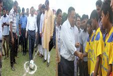 খানসামায় বঙ্গবন্ধু ও বেগম ফজিলাতুন্নেসা ফুটবল টুর্নামেন্টের ফাইনাল খেলা অনুষ্ঠিত
