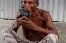 কালের আবর্তেই হারিয়ে গেছে গ্রাম-বাংলার ঐতিহ্যের সঙ্গী 'হুক্কা'